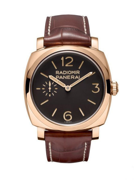 This replica Panerai watch just shows us a unique red gold, sending out more charming luster.