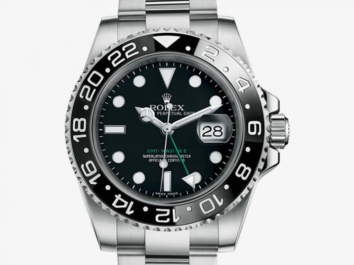 For this replica Rolex watch, that features the 24-hour otating bezel, showing the clear time of two time zones, which is very useful and practical for the travellers.
