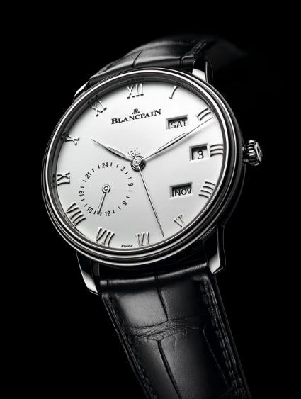 With the combination of black and white, this replica Blancpain watch presents a classical appearance.