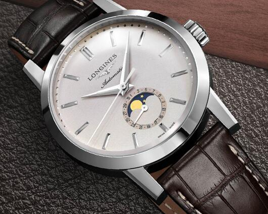 The Longines Heritage looks very vintage an graceful.