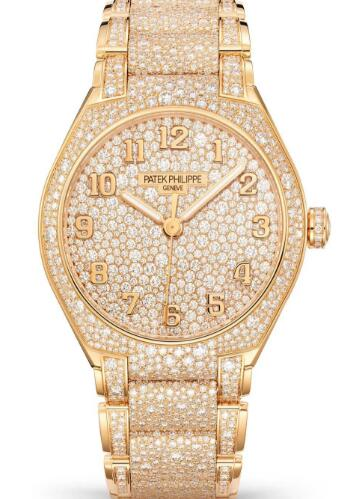 The fully engraved diamonds make the timepiece more luxurious.