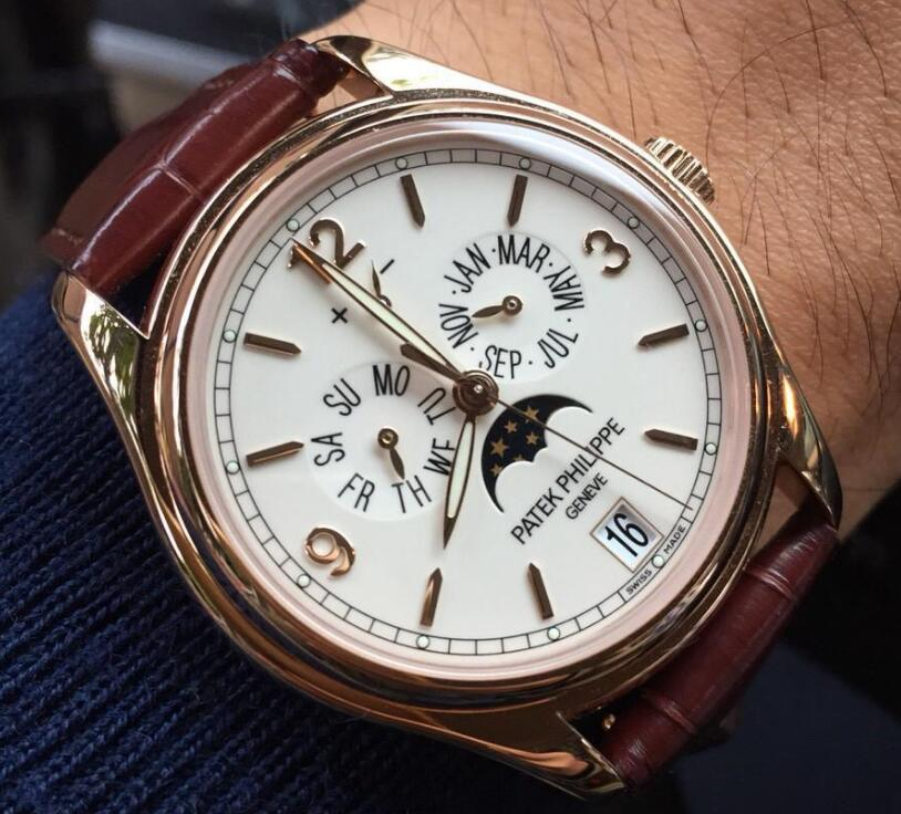 Patek Philippe has always been well-known by the complicated function and exquisiteness.