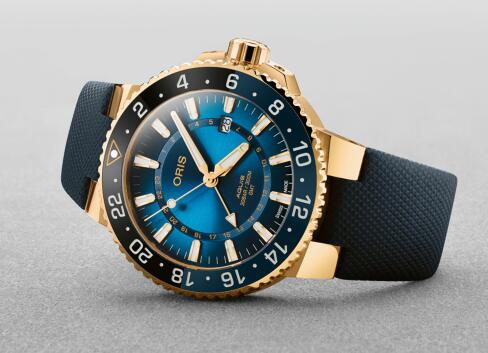 It is the Oris's first model made by 18ct gold.