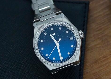 The diamonds perfectly add the feminine touch to the cheap copy watch.