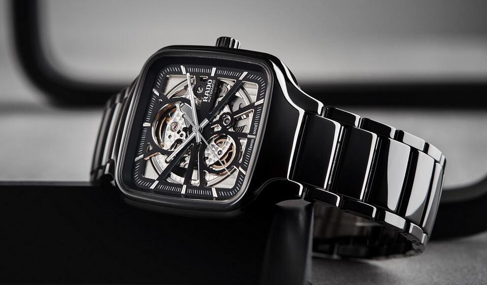 Best replica watches make the most of the top high-tech ceramic material.