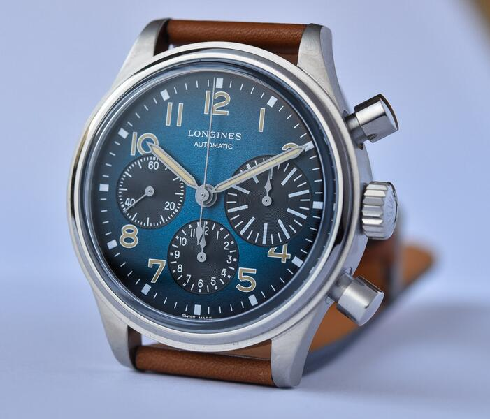 AAA reproduction watches become evident with blue colored dials.